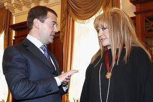 Dmitriy_Medvedev_with_Alla_Pugacheva